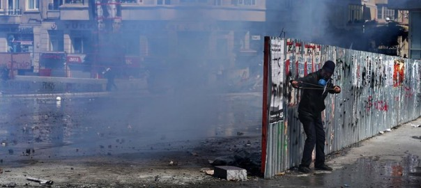 kas šorīt notika Taksim skvērā jeb neizdevies teātris