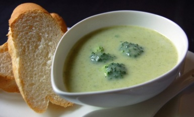 brokoļu zupa turku ēdieni