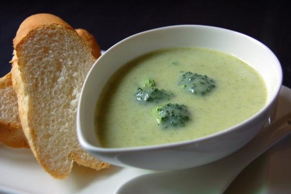 recepte: Brokoļu zupa
