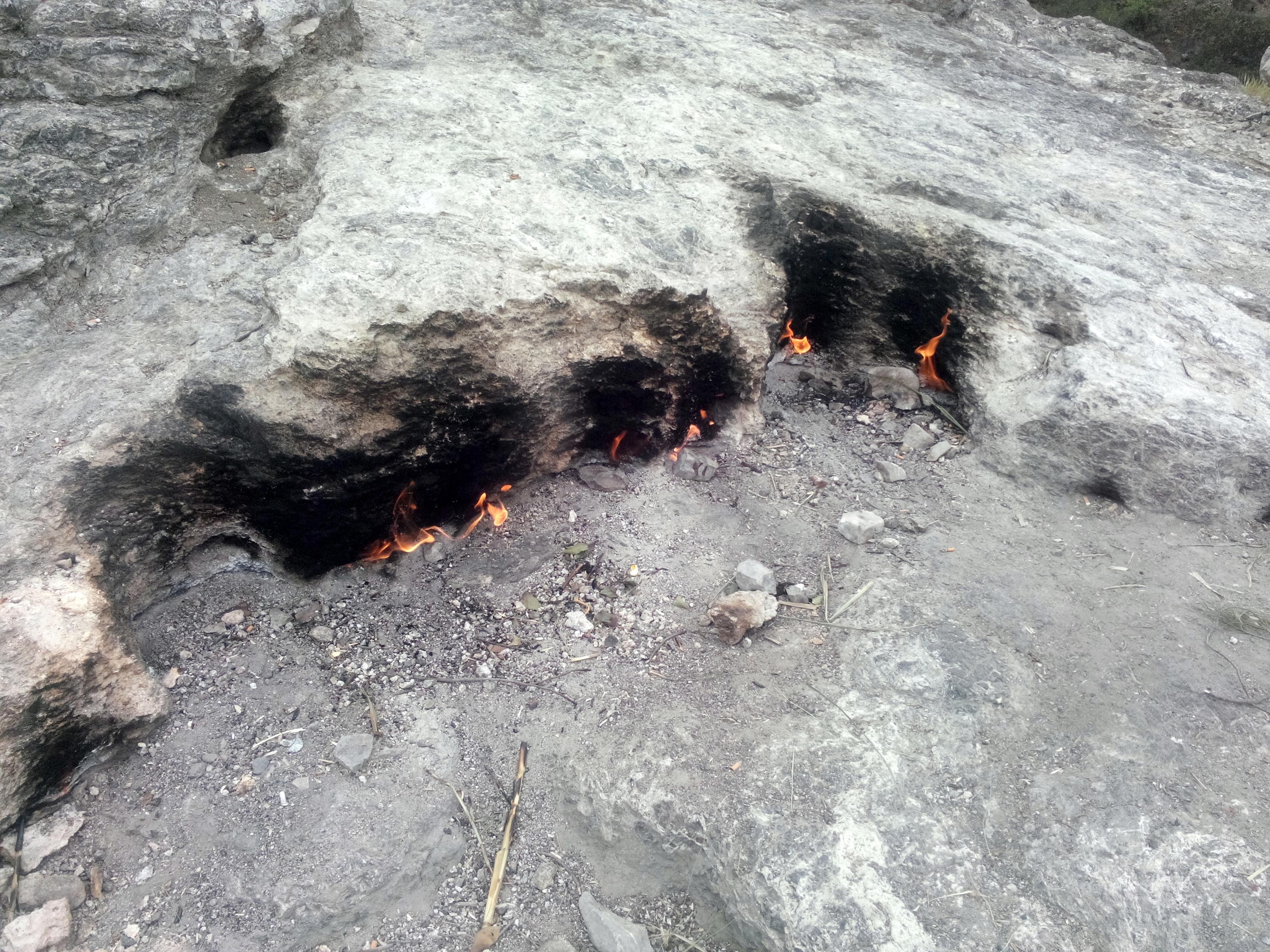 Antālija – Yanartaş (Chimaera) – degošais kalns (foto)